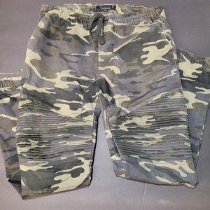 FREE PLANET Men Camouflage Pants.